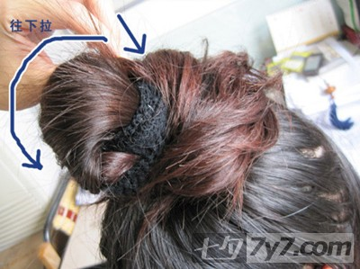 这个步骤很关键,是决定了发型的成败之笔