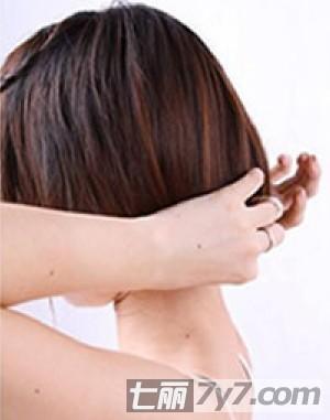 详细图解教你做发型 长发变清新短发三分钟搞定