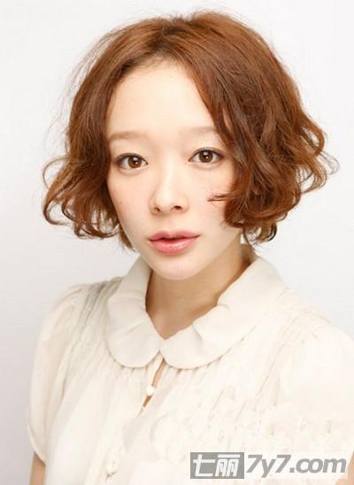 2012初秋女生潮流短发发型