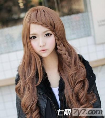 女生发型烫发中长齐刘海分享展示