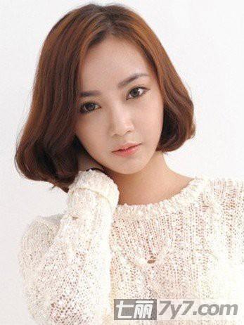 韩国短发美女时尚演绎