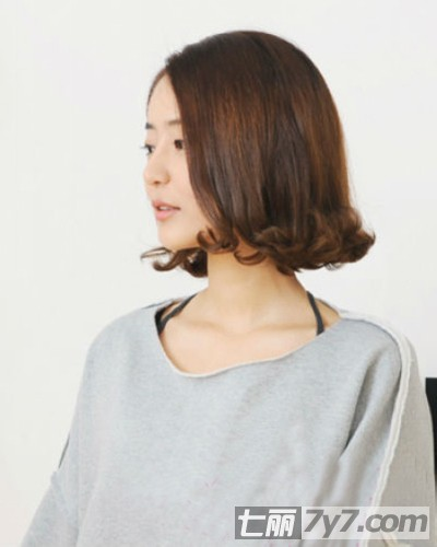 最新韩式蛋卷头短发图片 时尚短发烫发变身清纯小萝莉