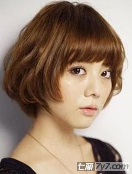 女生最爱卷发发型图片推荐 八款适合圆脸的短卷发造型
