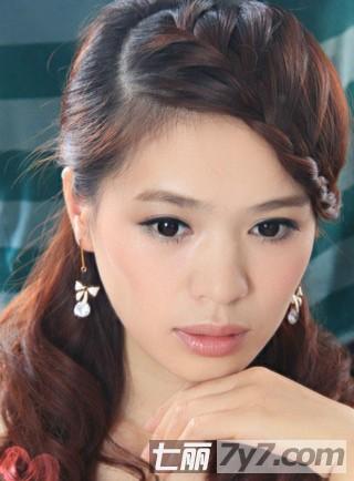 好看的刘海编发盘发发型 简单教程打造淑女发型 步骤十:修颜又显气质