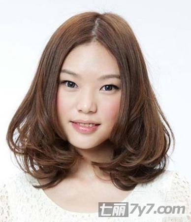 大圆脸女生最适合的发型图片 8款显瘦发型修颜减龄又衬肤小编点评:
