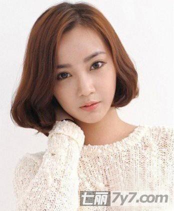 2013潮女必备的短发发型图片 韩式短卷发修颜减龄又时尚图片