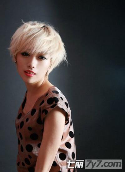2013欧美女生潮流短发发型 性感帅气个性彰显自身魅力
