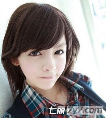清新纯美阳光短发 俏皮减龄瘦脸发型