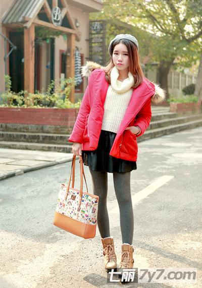 矮个子女生穿衣搭配 短款棉服 冬装厚丝袜图片