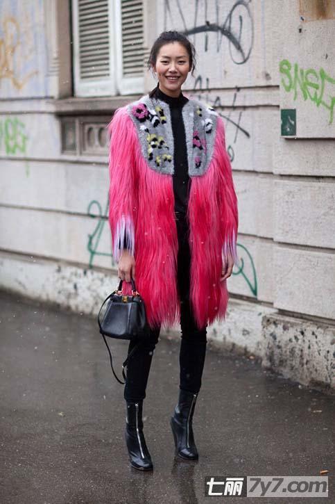冬季糖果色服装时尚搭配之道