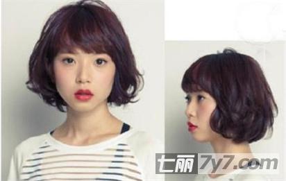 平斜的刘海让短发更加妩媚动人,如果想要再黑发的基础上,增加一点图片