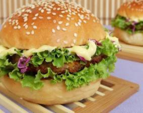 田园鸭排汉堡